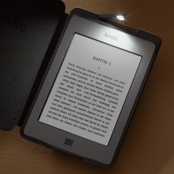 Kindle Touch mit Hülle und Leselampe
