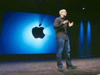 Tim Cook hat die Zügel bei Apple fest in der Hand und baut nun die Führungsspitze um