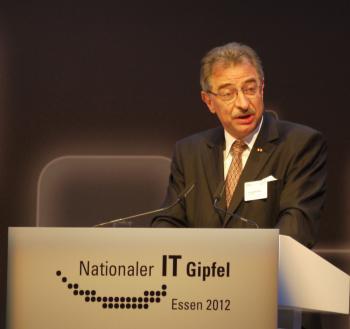 Der Bitkom-Vorsitzende Dieter Kempf auf dem IT-Gipfel 2012