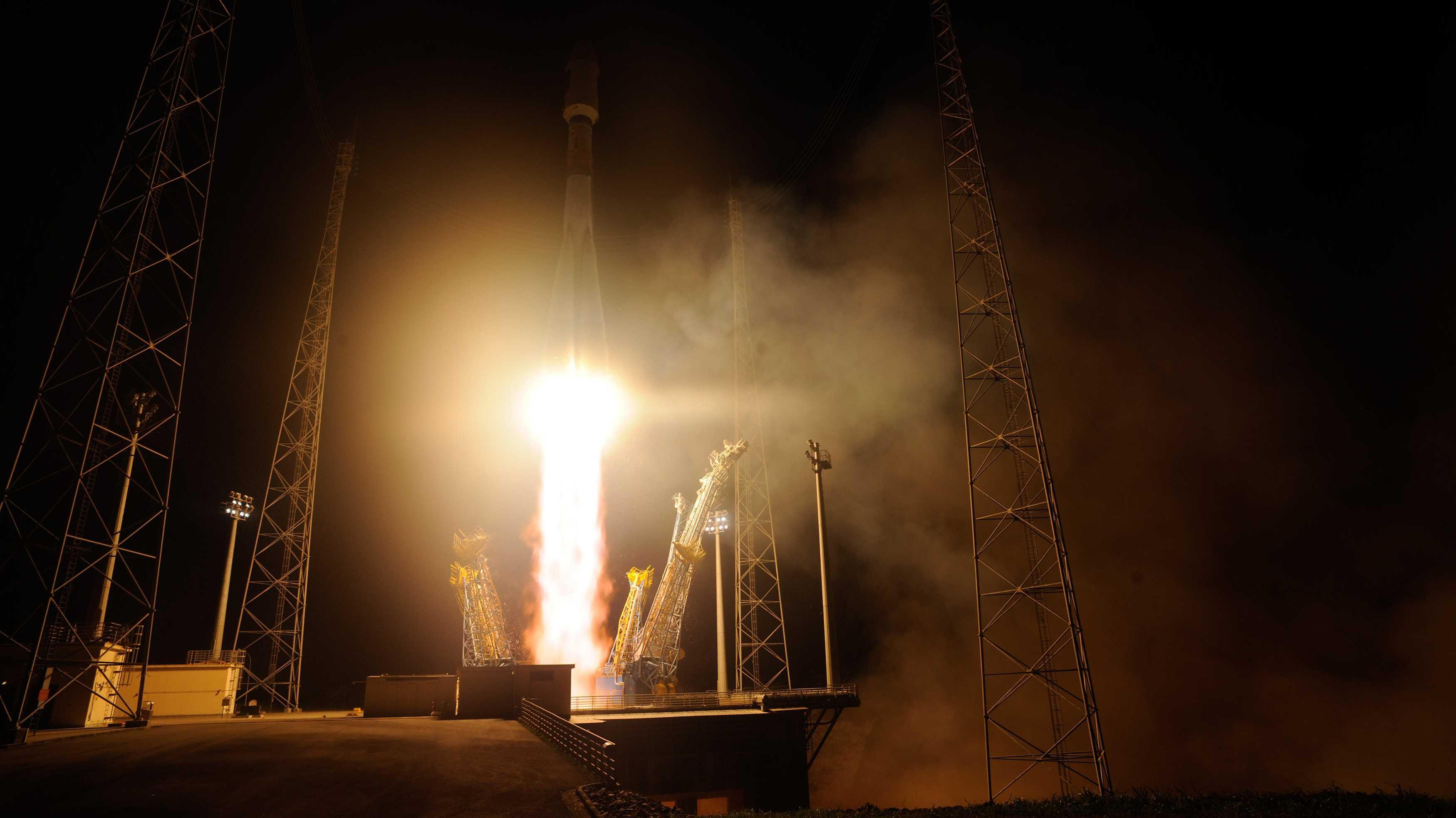 Sojus-Rakete mit Alba und Oriana