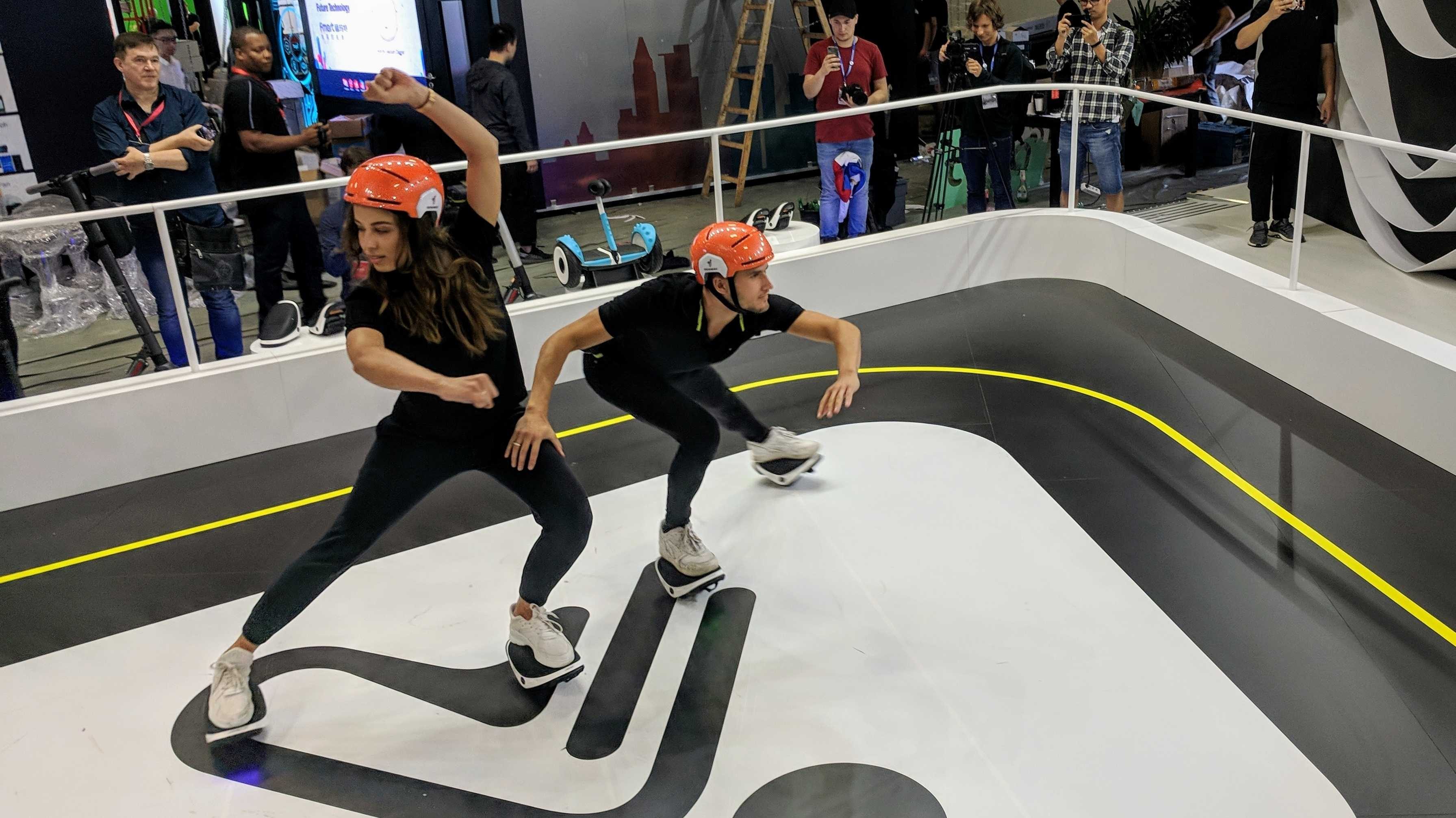 Segway Drift W1 und IO Hawk nxt.skates: Elektro-Rollschuhe im Feets-on