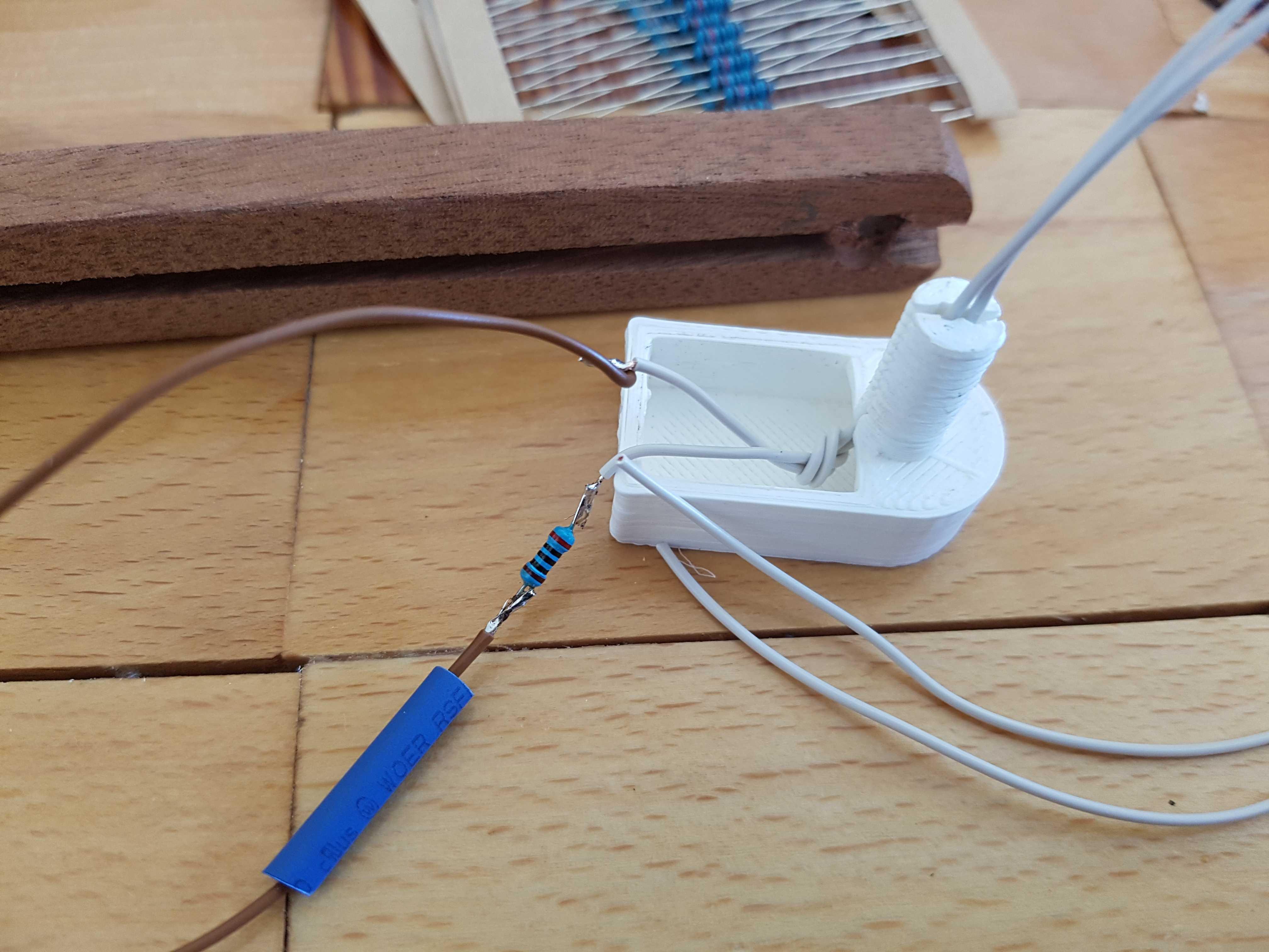Kabeldurchführung mit Vordwiderstand