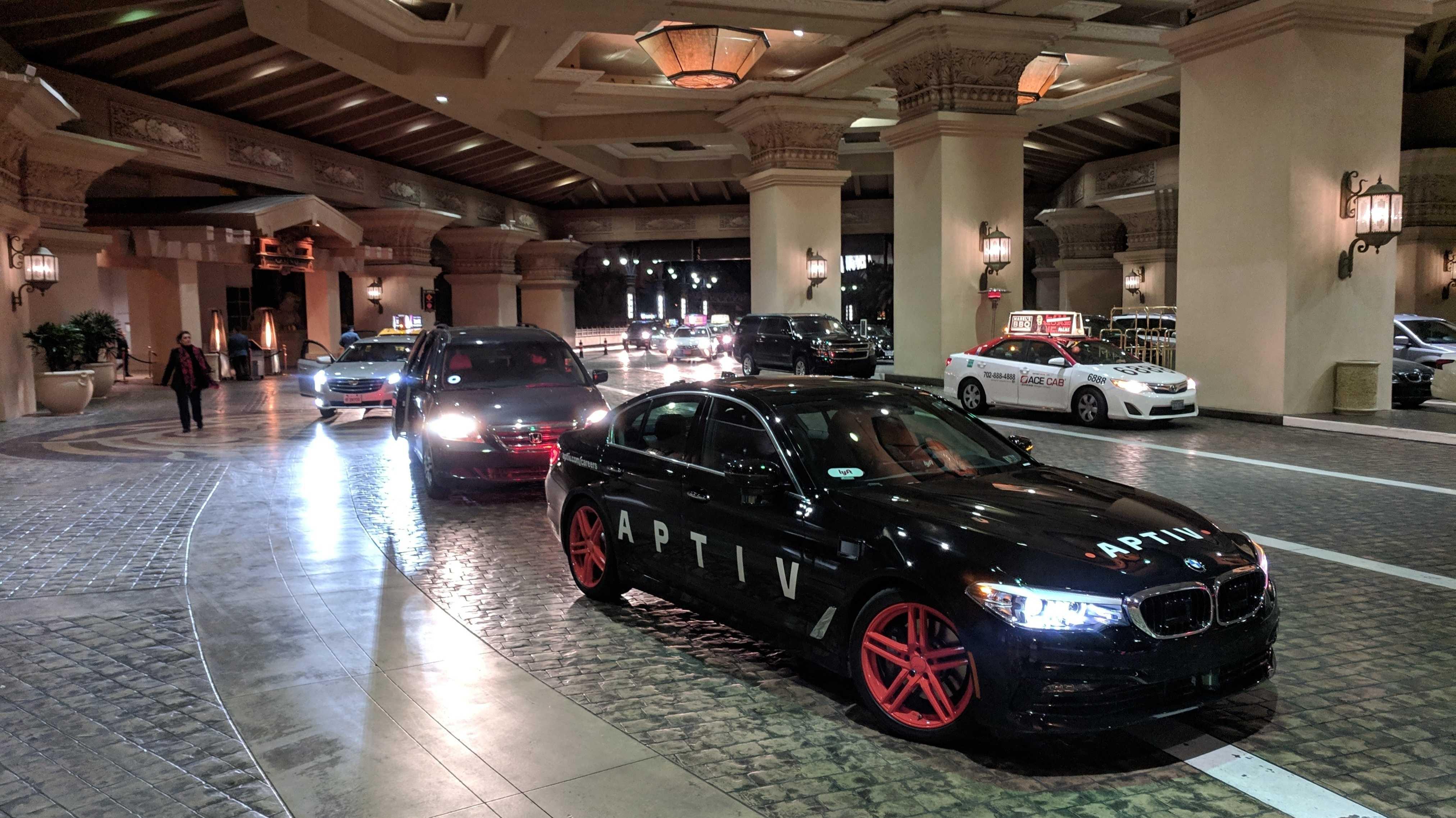 Lyft-Aptiv-BMW vor einem Hotel in Las Vegas