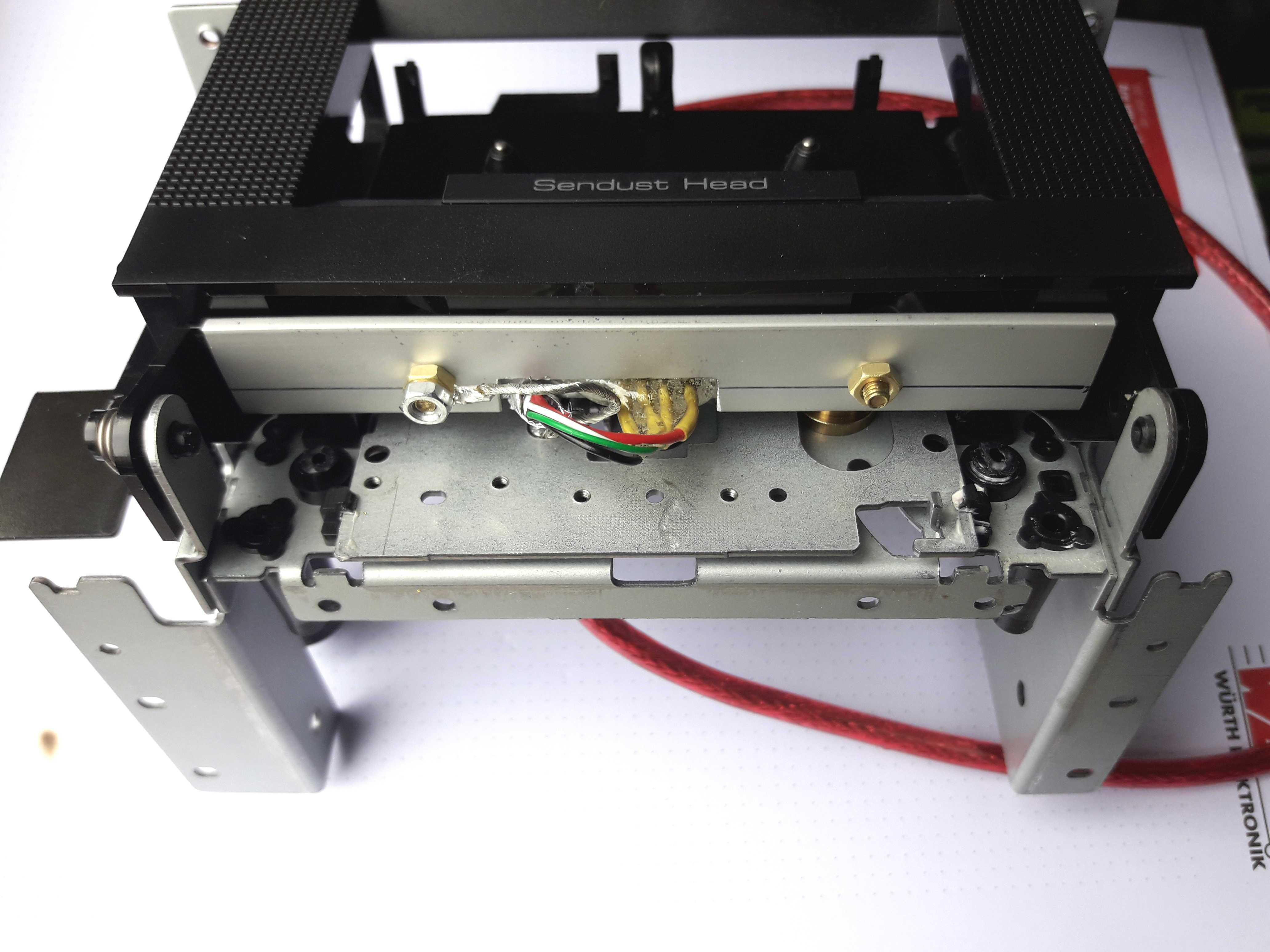 Blick auf die Unterseite der USBsettenaufnahme