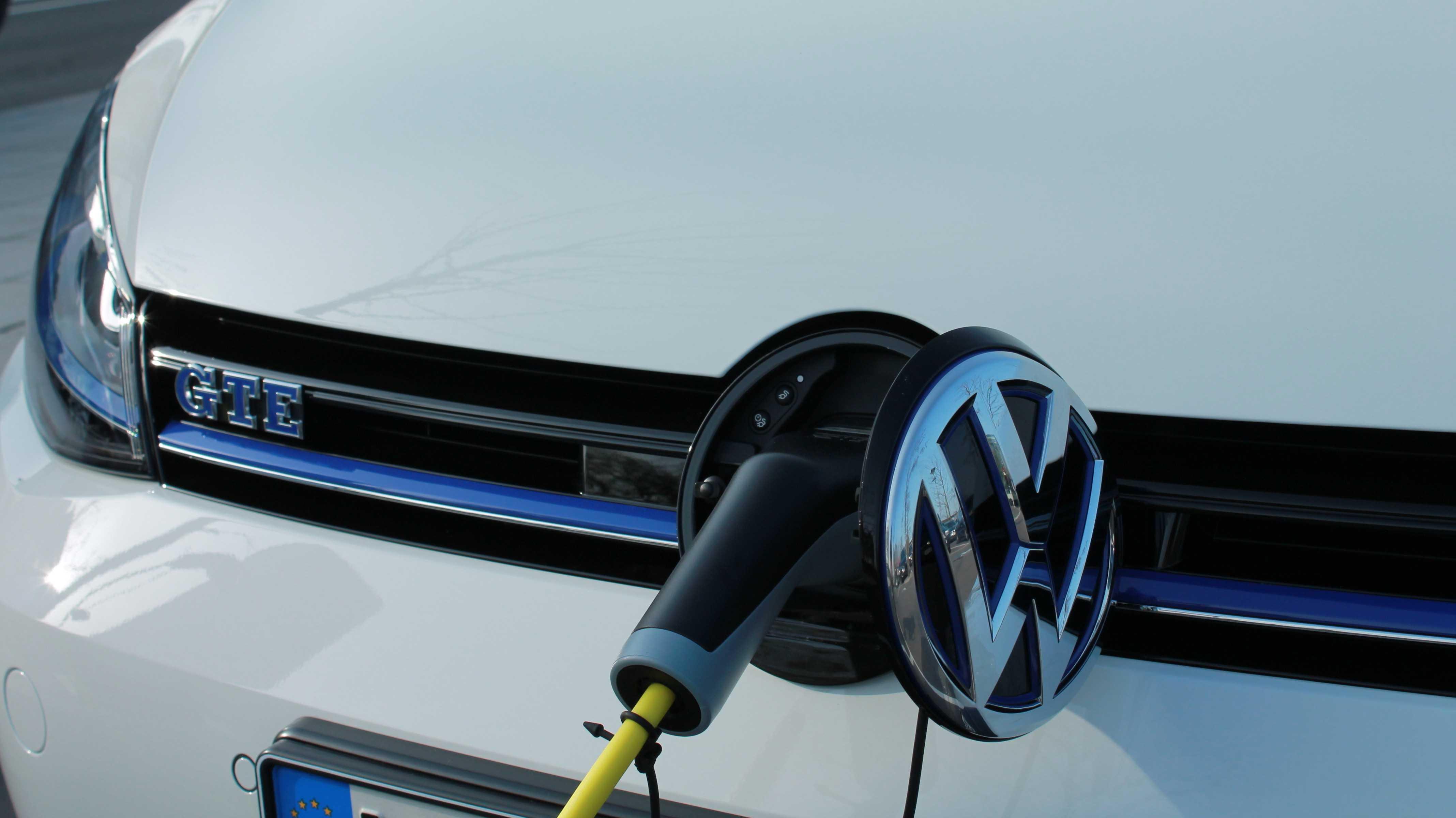 Autohersteller einigen sich nach Streit um Zukunft der E-Mobilität