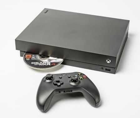 Die Xbox One X soll eines der ersten Geräte sein, die HDMI 2.1 unterstützen.