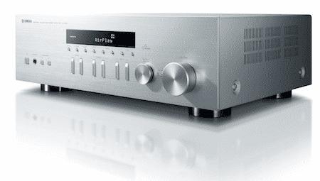 Yamaha integriert Netzwerkfunktionen in Receiver wie den R-N301 (Bild) oder den CD-Spieler CD-N301. Eine geschlossene Multiroom-Lösung soll es erst in der Zukunft geben.