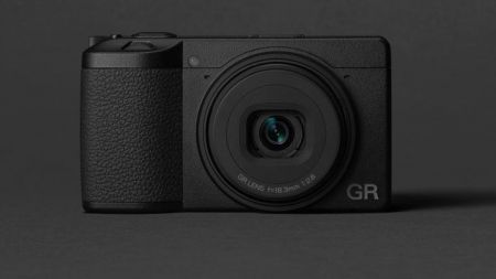 Ricoh GR III: Kompaktkamera mit APS-C-Sensor