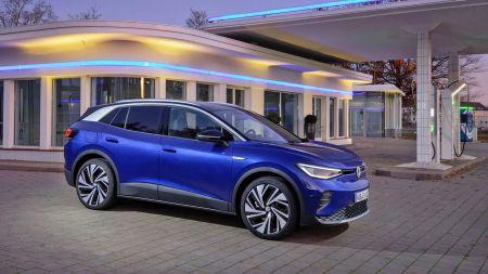 heise+ | Strom vs. Sprit: Wer fährt günstiger – VW ID.4 oder Tiguan?