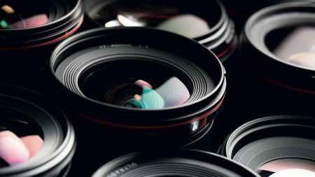 heise+ | Ratgeber: Festbrennweiten für APS-C-Kameras im Überblick