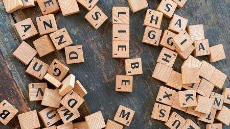 heise+ | Machine Learning: Texte vektorisieren und Stimmungen analysieren