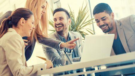 heise+ | Chef-Gehälter 2021: Das verdienen Führungskräfte in verschiedenen IT-Bereichen