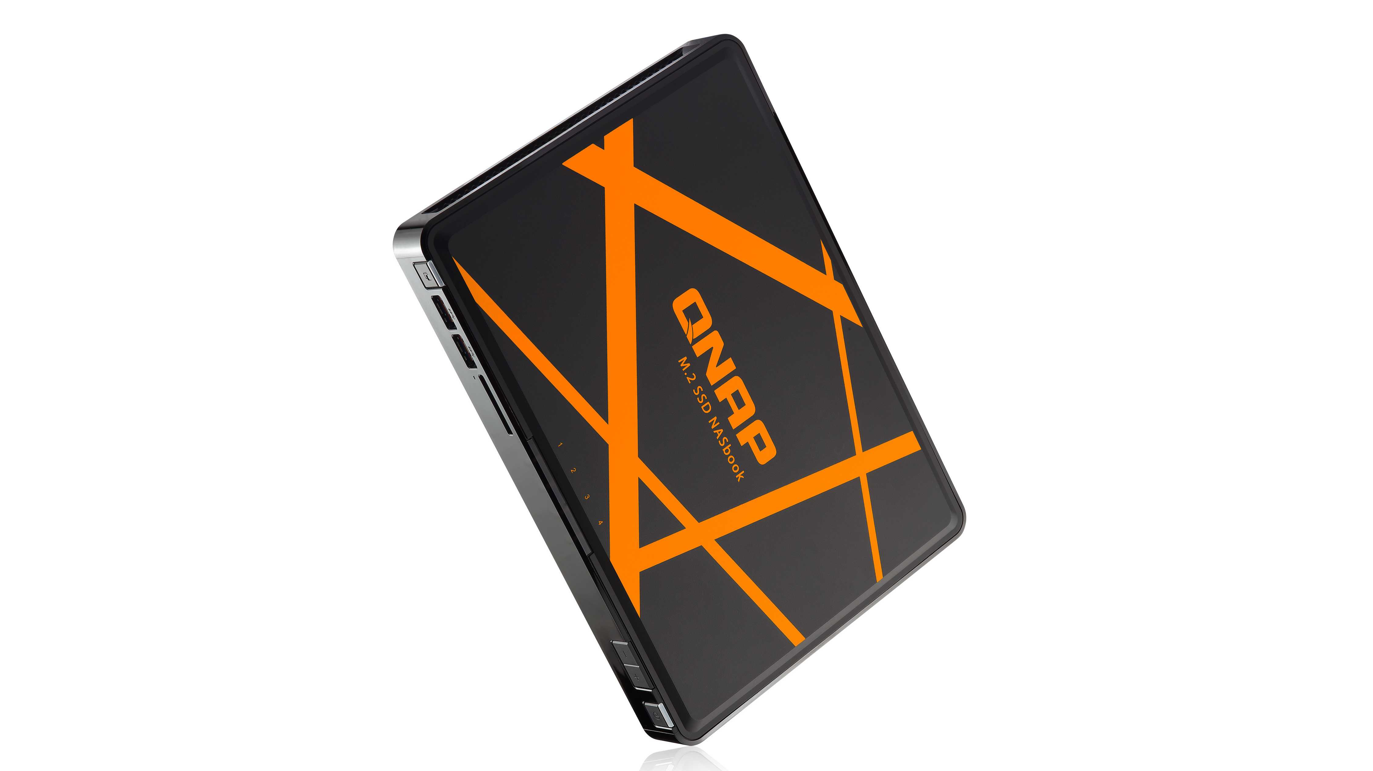 NASbook: QNAP präsentiert ein NAS für unterwegs