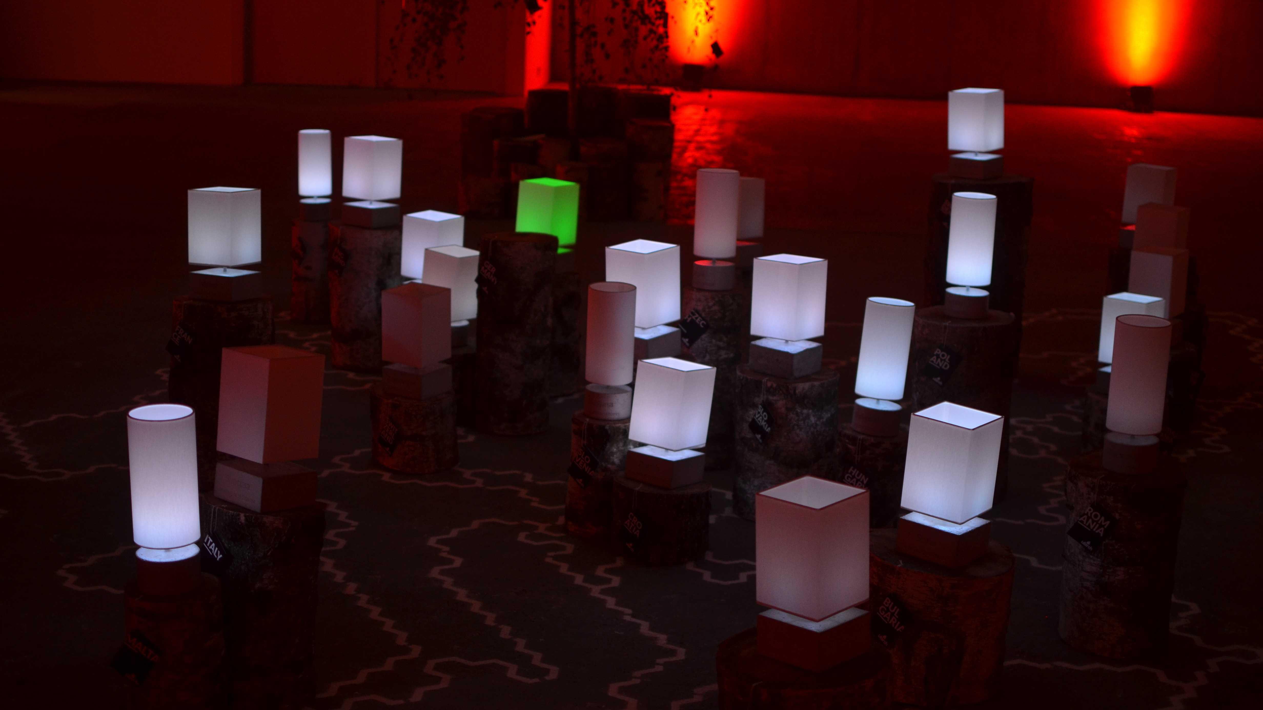 re:publica: LEDs zum Aufnähen und Arduino-Lichtsensoren