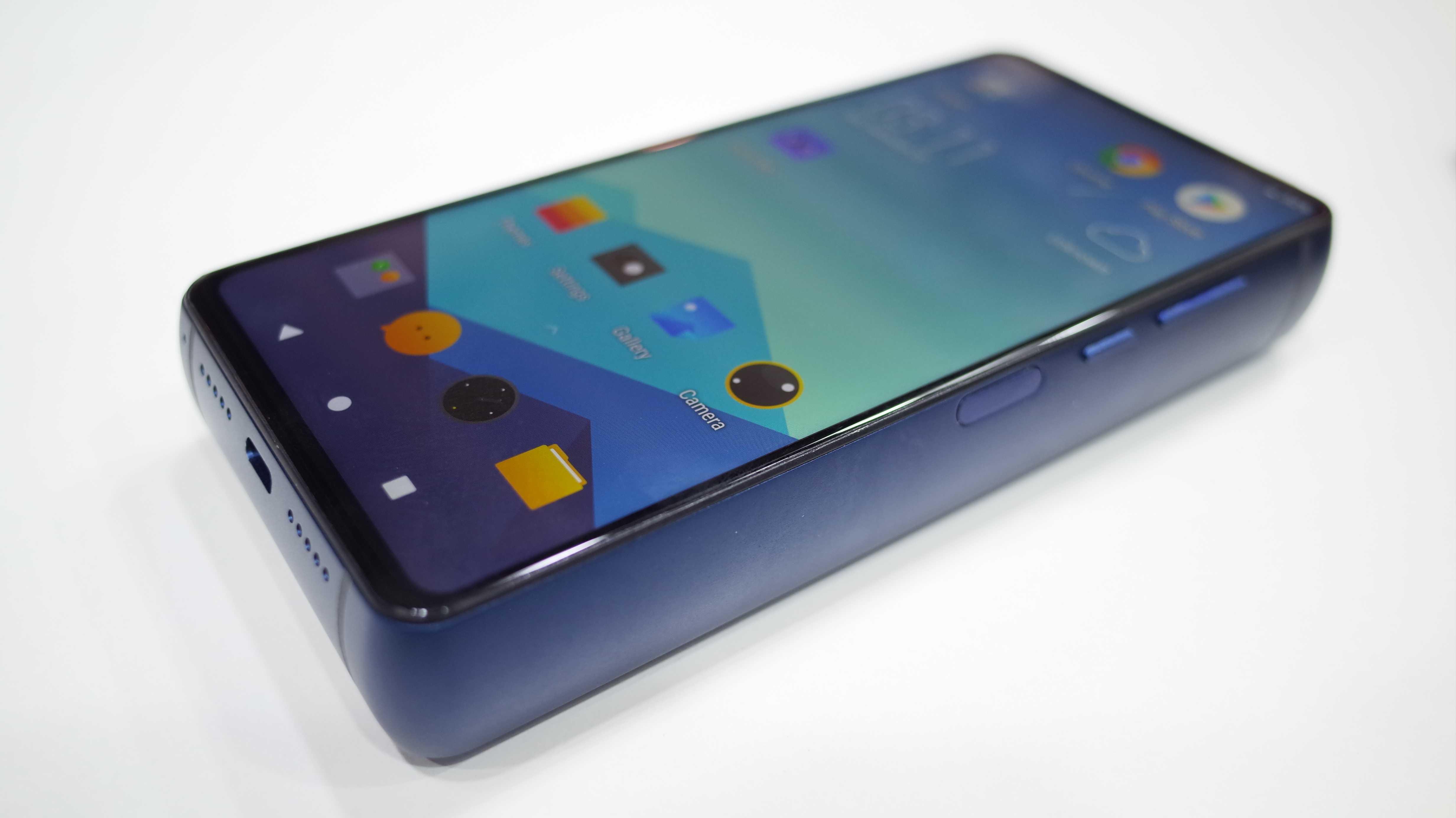 Smartphone im Ziegelsteinformat mit 50 Tagen Standby-Zeit