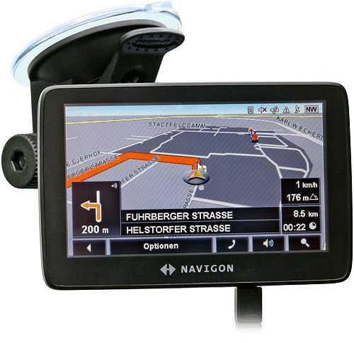 Das schicke Navigon 7210 unterstützt den Fahrer bei komplizierten Streckenführungen mit einem Fahrspurassistenten.