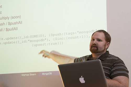 Mathias Stearn, 10gen, präsentierte MongoDB