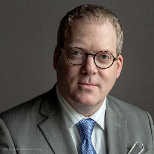 Andrew Sullivan tritt zum 1. September seinen Job als neuer Chef der Internet Society an. Der ein ausgewiesener Techie mit Philosophieabschluss, war zuvor bereits Vorsitzender des Internet Architecture Board (IAB) und Chefarchitekt des Domainanbieters Dyn.