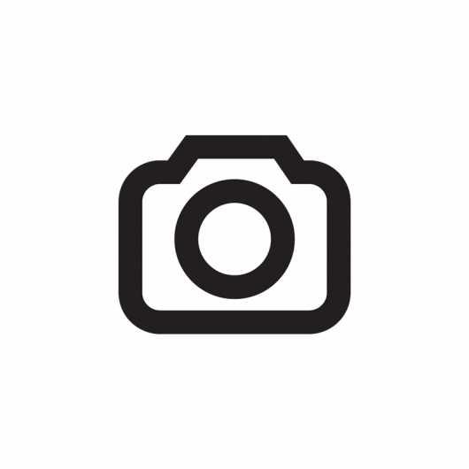 Die Kamera der App Lightroom bietet die Möglichkeit, zwischen JPEG und DNG umzuschalten. Erscheint dieser Umschalter nicht, dann unterstützt das Smartphone keine Aufnahme im Raw-Format.