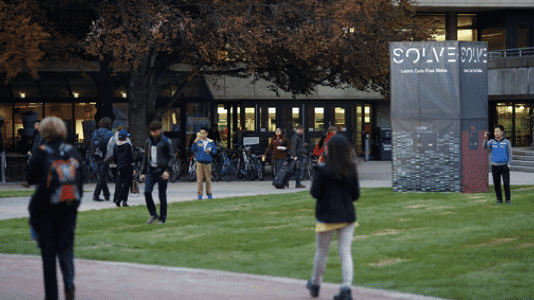 """MIT kündigt kostenlosen """"MicroMaster""""-Studiengang im Internet an"""