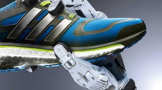 Produktionsroboter direkt in den Läden: Adidas will schneller werden