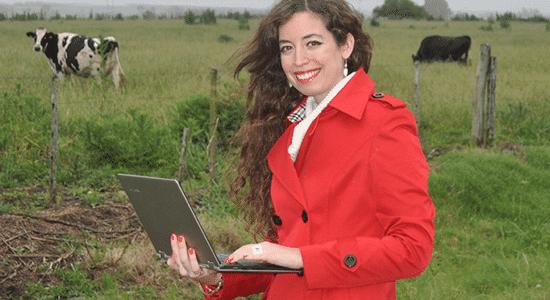 Victoria Alonsopére will Rinder mit einem elektronischen Halsband überwachen
