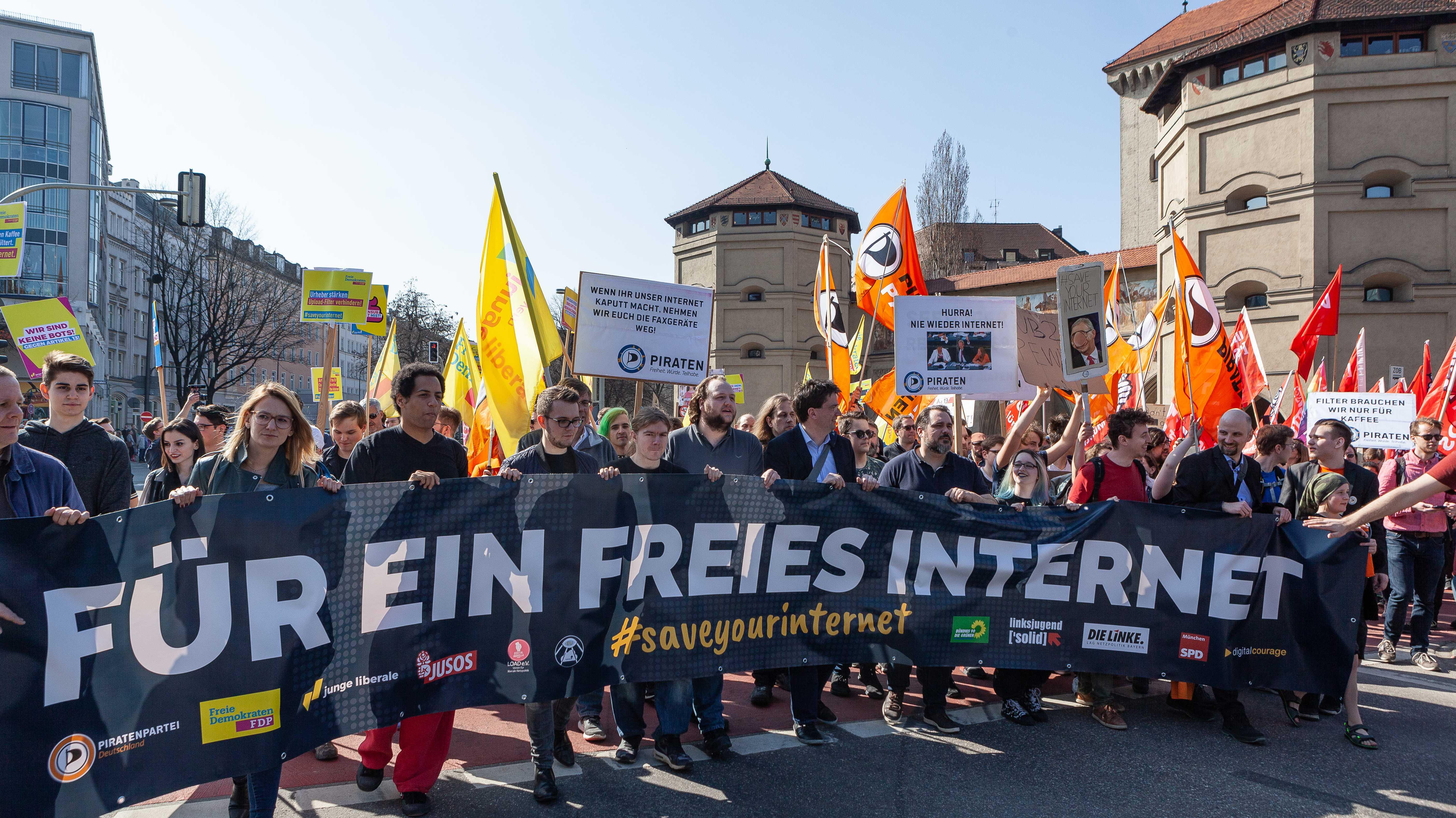 40.000 protestieren in München gegen Artikel 13