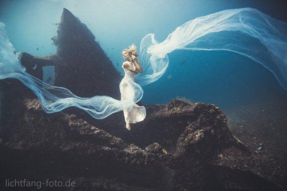 Hingabe von unterwasser.lichtfang