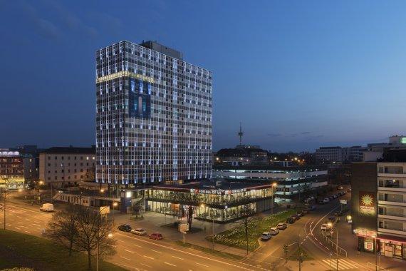 Arbeiten über der Stadt – City Tower Essen I von Dieter Golland