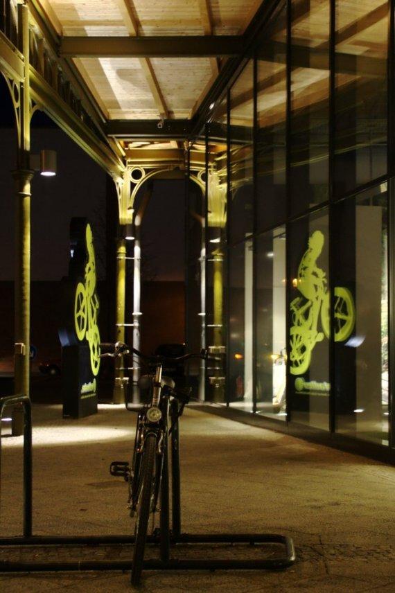 Fahrrad_vorm_Fahrradladen von ac-chan