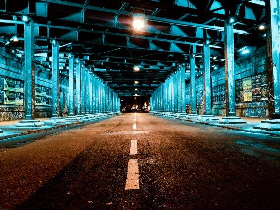 Köln Hansaring Unterführung bei Nacht. von MoBIoS