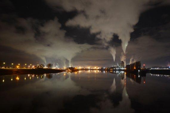 Hafen nachts von m5