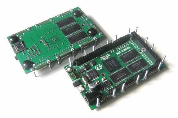 Herzstück des Arduissimo ist ein Xilinx Spartan-6-LX16 FPGA.