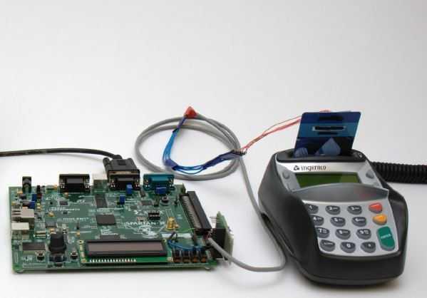 2010 nutzten die Cambridge-Forscher noch ein sperriges FPGA-Board.