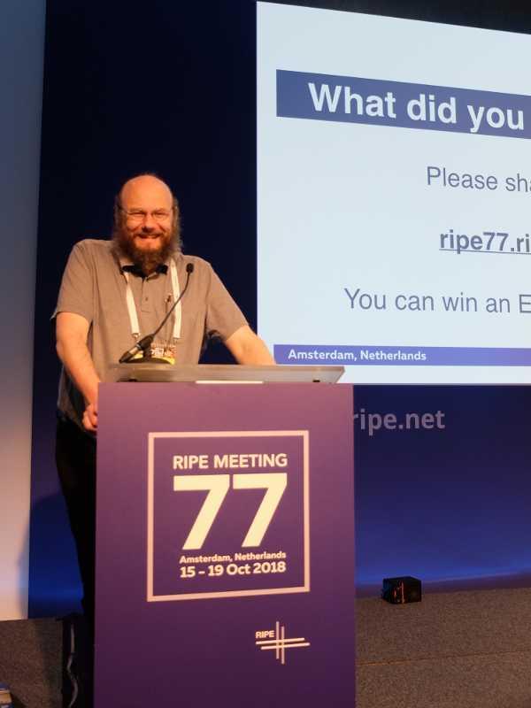 Benedikt Stockebrand auf dem RIPE77-Treffen