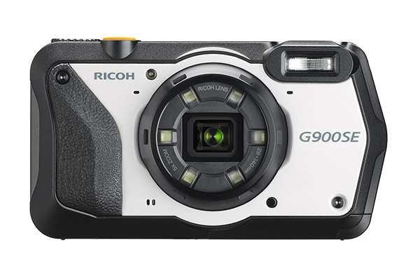 Ricoh G900 und G900SE bauen auf der Schwester WG-6 auf, sie richten sich mit Barcode-Scanner und Passwortschutz allerdings an professionelle Anwender.
