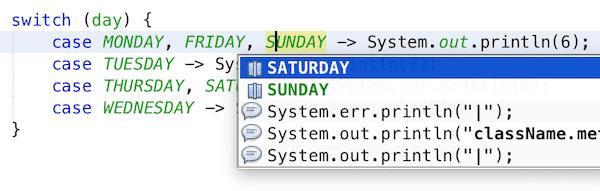 NetBeans kann auch für mehrere CASE-Label Autovervollständigung anzeigen.
