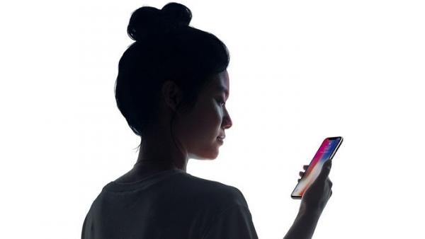 IPhone X: Apple bewirbt mit neuen Werbespots Animoji und Face ID