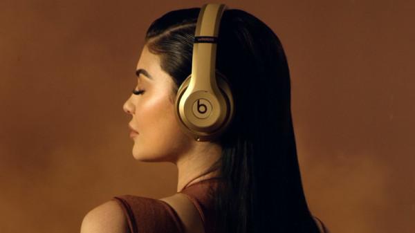 Beats: Kylie Jenner präsentiert neue Luxus-Kopfhörer
