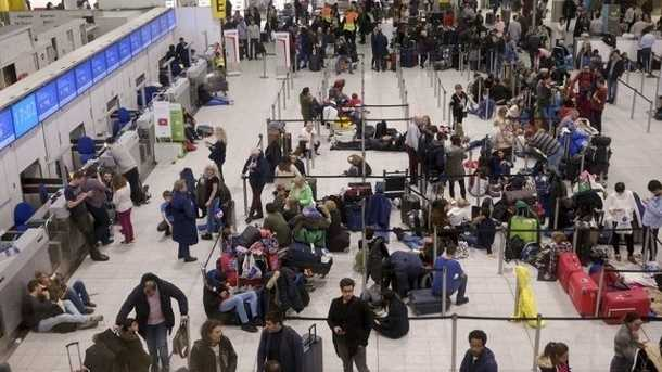 Mutmaßliche Drohnensichtung: Flugbetrieb in Gatwick wieder gestoppt