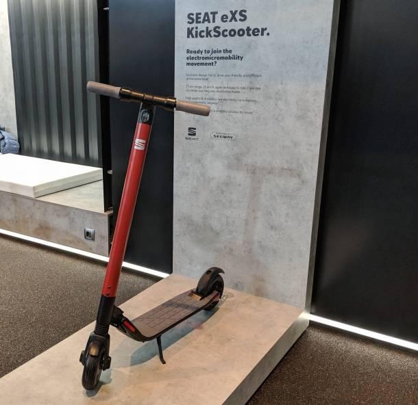 Der Seat-Roller nutzt Technik von Ninebot und ist in Spanien bereits im Handel.
