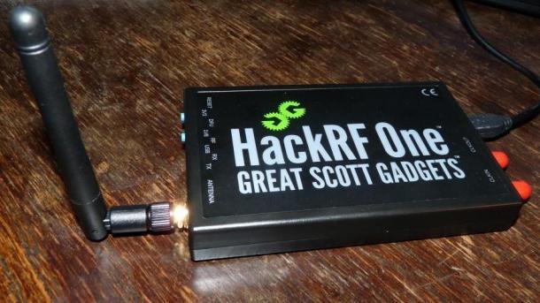 HackRF mit WLAN-Antenne