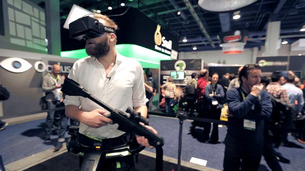 Ausprobiert: Virtual-Reality-Laufstall Virtuix Omni sieht dämlich aus, funktioniert aber gut