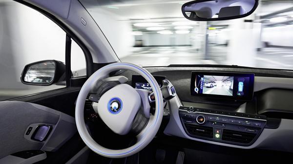 Dobrindt kündigt erste Grundregeln für selbstfahrende Autos bis September an