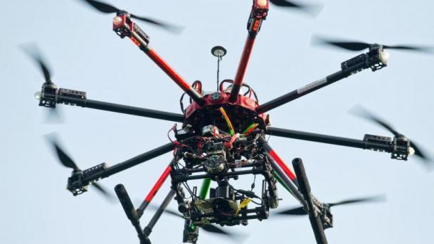 Oktakopter-Drohne mit Kamera