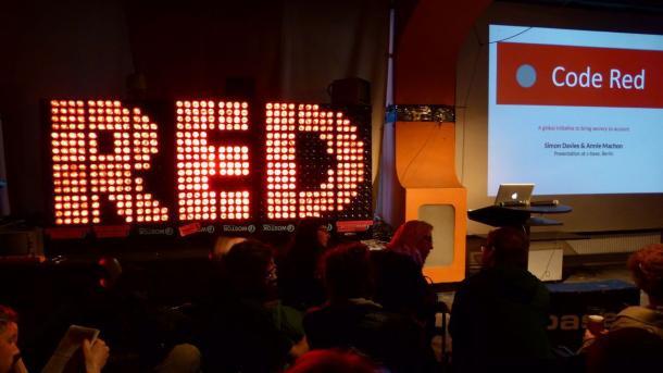 Code Red: Aktivisten schlagen gegen das Überwachungsimperium zurück