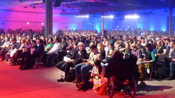"""re:publica 2015: """"Wir brauchen einen Ausstieg aus der Total-Überwachung"""""""
