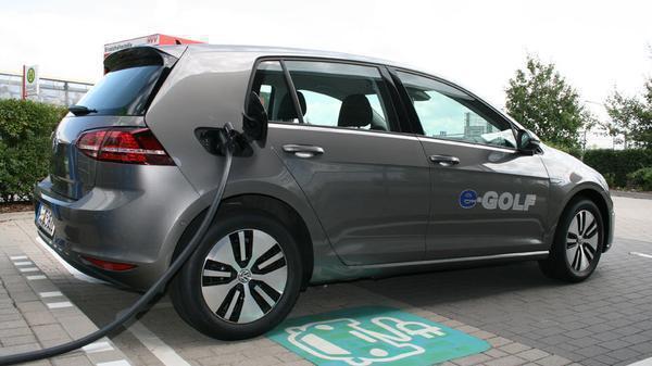 Studie: Elektroautofahrer sind mit ihrem Gefährt hochzufrieden
