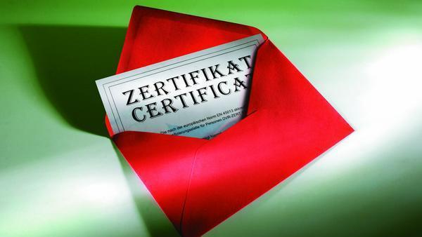 Zertifikat im Umschlag