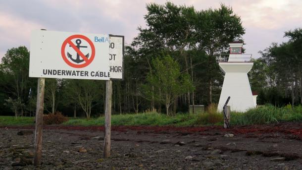 """Warntafel """"Underwater Cable"""" mit Leuchtturm"""
